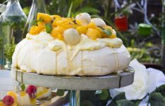 Perfect Pavlova with seasonal fruits