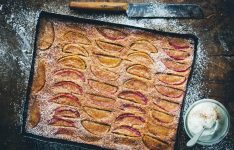 Apple and Cinnamon Tray Cake