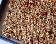 Easy Homemade Granola