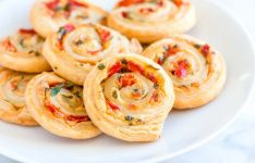 Cheesy Roasted Pepper Pinwheels