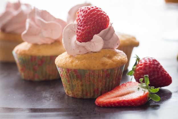 Homemade Strawberries and Cream Cupcakes