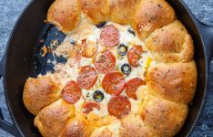 Stuffed Crust Pizza Dip