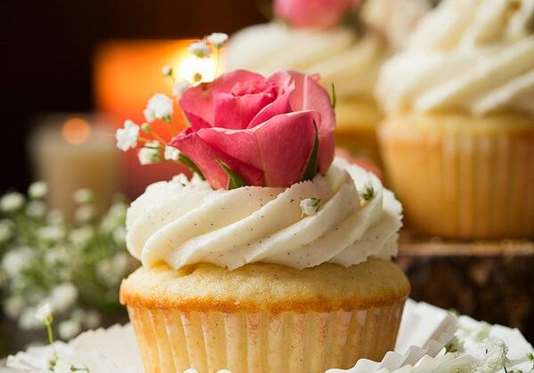 Vanilla Bean Cupcakes with Vanilla Buttercream Frosting