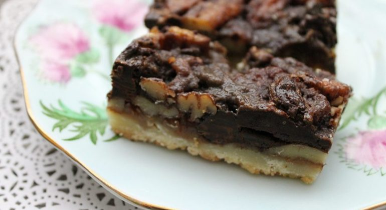Chocolate and Salted Caramel Pecan Squares