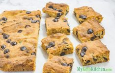 Low Carb Chocolate Chip Peanut Butter Blondies
