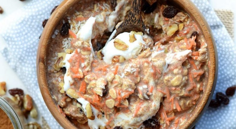 Carrot Cake Overnight Protein Oats