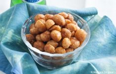 Sweet and Spicy Macadamia Nuts