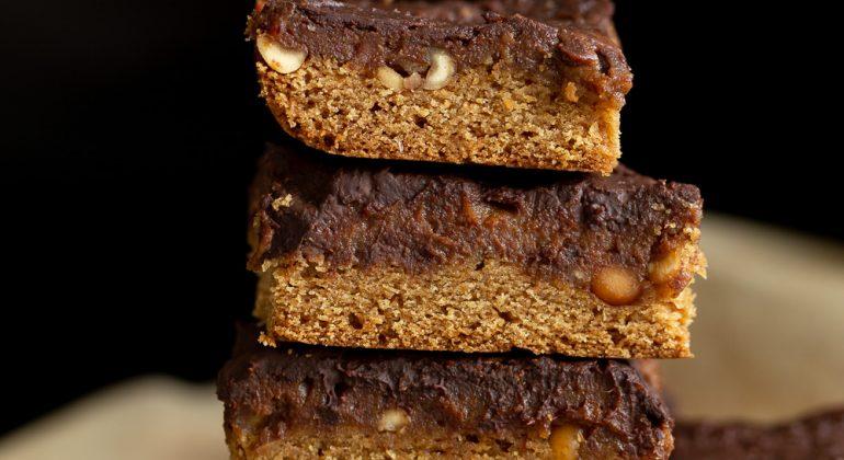Vegan Snickers Snack Bars Recipe